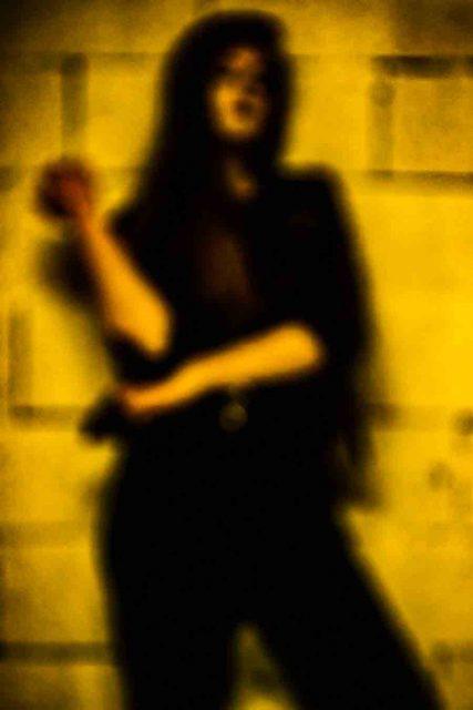 blur women photograph-yelow mood